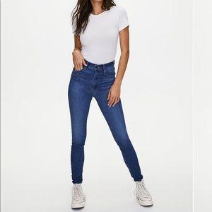 Aritzia Levi's mike high super skinny jeans 25